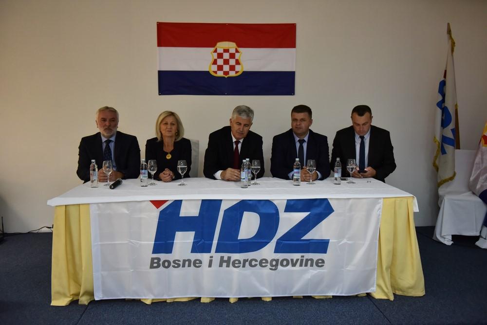 Slikovni rezultat za na kupresu čović borjana ivić